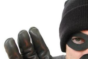 В Харькове задержали двух лжекопов-грабителей