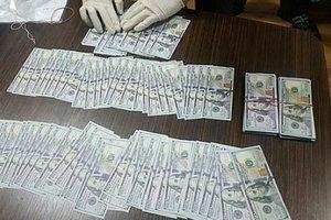В Харькове руководство завода задержали за вымогательство 1,5 миллиона гривен взятки