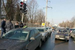 В центре Харькова произошло тройное ДТП