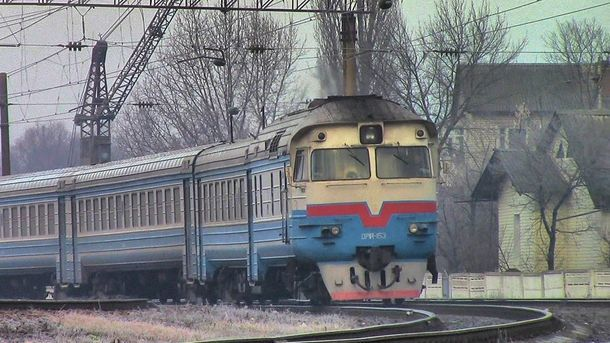Поезд протаранил легковую машину вЗапорожской области: шофёр умер моментально