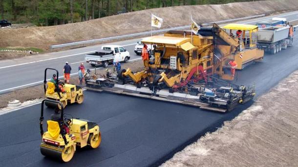 Неменее 250 млрд грн нужно наремонт украинских дорог,— Омелян
