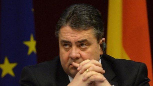 Габриэль: Отменять санкции вотношенииРФ пока рано