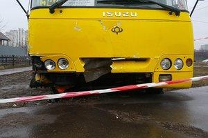 Подробности вооруженного угона маршрутки в Киеве: бандит на ходу отстреливался от полиции