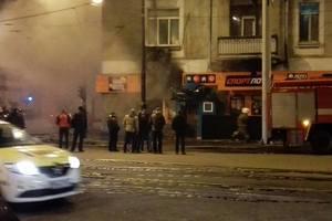 """Пожар в Одессе: очевидцы видели, как в здание бросали """"коктейль Молотова"""""""