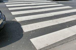 В Одессе автомобиль сбил парня на пешеходном переходе