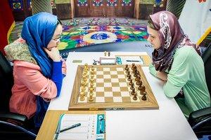 Анна Музычук и Тань Чжунъи сыграли вничью в четвертой партии финала чемпионата мира по шахматам