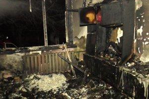 Две девушки вынесли мужчину из пожара в Житомире