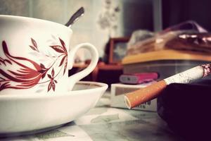 Курильщикам сильнее хочется кофе – ученые