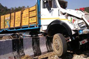 Жуткое ДТП в Индии: погибли 17 человек