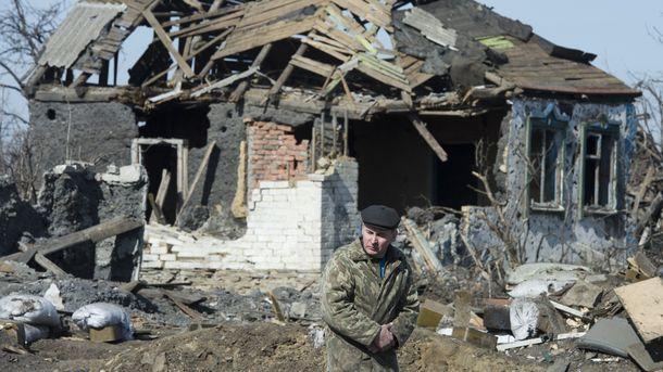Встарой Авдеевке после обстрела повреждены дома