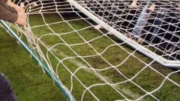 ВХарькове наребенка упали футбольные ворота, парень умер наместе