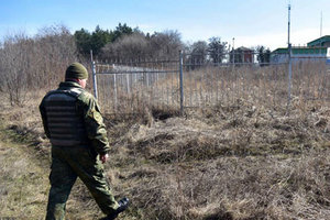 На Донбассе ищут бомбу на автозаправке