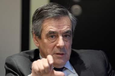 Депутаты-сторонники Саркози требуют от Фийона самостоятельно найти себе приемника - СМИ
