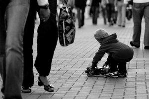 У жителя Мариуполя на улице забрали ребенка