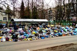 Мэр Садовый просит помочь вывезти  мусор: Львов накопил тысячу тонн