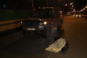 В Киеве девушка, перебегая дорогу, погибла под колесами авто