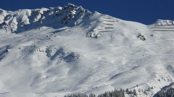 Катастрофа вофранцузских Альпах: снежная лавина накрыла десятки людей