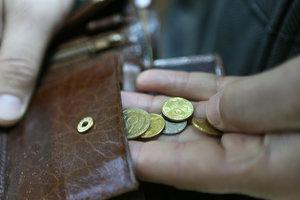 Сколько зарабатывают украинцы: как росли средние зарплаты и цены в Украине