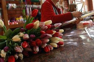 В Киеве подросток обокрал цветочный магазин