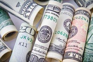 Курс доллара в Украине преодолел психологическую отметку
