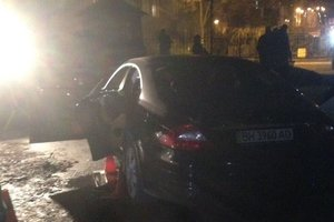 Подробности убийства в Киеве: бизнесмена расстреляли в машине, ранены дети