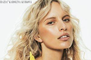 Супермодель Каролина Куркова примерила ключевые модные образы весны