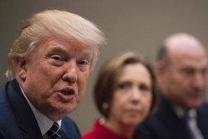 Штаты Нью-Йорк и Вашингтон оспорят новый иммиграционный указ Трампа