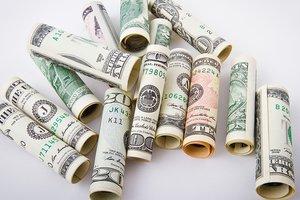 Курс доллара в Украине продолжает падать
