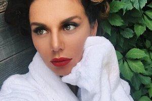 """""""Мне хотелось провалиться под землю"""": Анна Седокова показала наряд, из-за которого ей очень стыдно"""
