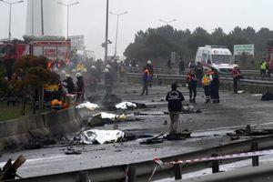 Появились фото и видео с места крушения вертолета с россиянами в Турции