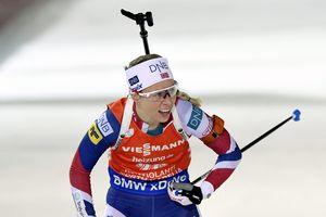 Тириль Экхофф выиграла спринт Кубка мира по биатлону