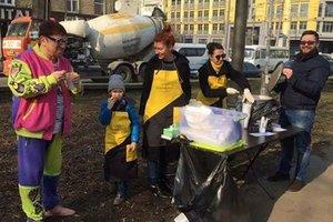 В Киеве открыли точку горячего питания для пенсионеров