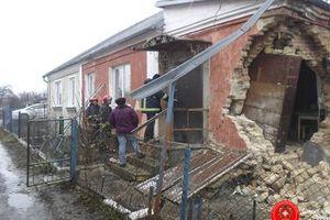 В Ровно обрушился одноэтажный жилой дом