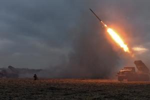 """Боевики обстреливают из """"Градов"""" Авдеевку"""