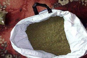 Житель Хмельницкой области попался на хранении большого количества марихуаны