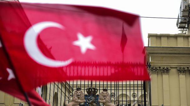 Турция пока небудет отзывать посла изНидерландов