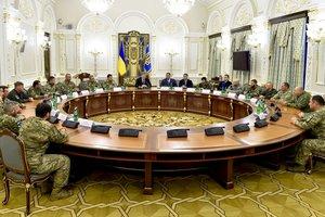 Порошенко поздравил воинов-добровольцев с профессиональным праздником