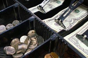 Украинцы ринулись скупать валюту - эксперт