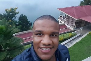 Нашел сестренку и могилу отца в Руанде: украинский борец Беленюк проведал родственников в Африке