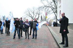 Сессия горсовета Одессы: 40 млн на охрану, увольнение пьяного судьи и митинг