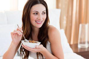 ТОП-5 продуктов, которые стоит исключить из рациона женщин после 30 лет
