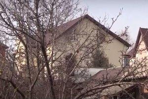 Журналисты показали дом Януковича в Ростове