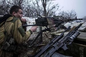 Ситуация на Донбассе остается напряженной: ранены бойцы