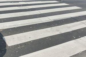 В Одессе парень без водительских прав сбил женщину