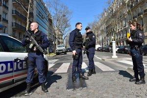 Неизвестный устроил стрельбу в школе на юге Франции