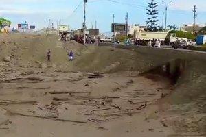 В Перу женщина чудом спаслась от грязевого оползня