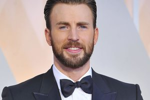 """Крис Эванс уйдет из киновселенной Marvel после """"Мстителей: Война бесконечности"""""""
