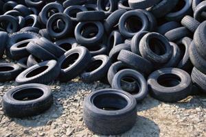 В Киеве откроется 10 пунктов сбора изношенных шин