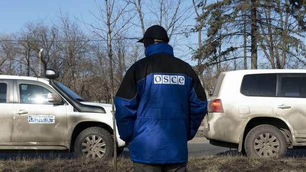 Патруль СММ ОБСЕ попал под обстрел неподалеку Ясиноватой