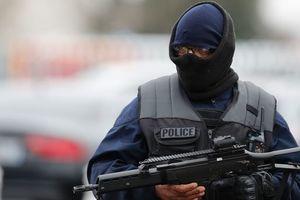 """Атаковавший военный патруль в Париже сказал, что готов """"умереть за Аллаха"""""""